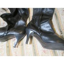 Bota Larga De Cuero Con Cierre Medio En Color Negro Talle 39