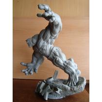 Hulk Running Escultura