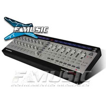 Controlador Midi Novation Remote Zero Sl Midi Usb P/ Pedal