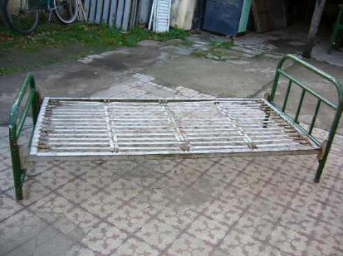 Antigua cama de ca o una plaza 680 fvkaq precio d argentina for Cama de una plaza precio