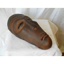 Mascara De Madera, Tallada Y Patinada, Origen: África.