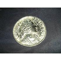 Medallon De Bronce
