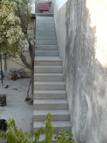 Escaleras Premoldeadas De Hormigon Armado Construcci N En