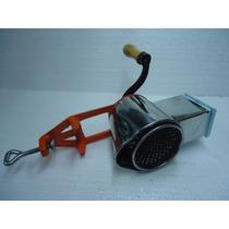 Maquina Ralladora De Pan Queso Y Verdura C/ 2 Ralladores