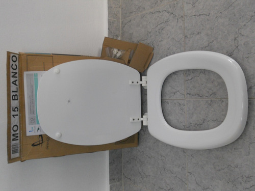 Tapa asiento inodoro madera laqueada 219 btgby precio d for Tapa inodoro madera