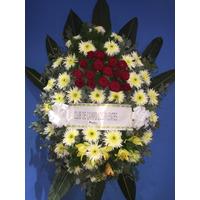 Corona De Flores Con Rosas Naturales