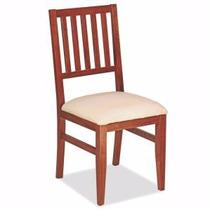 Silla tapizada de madera en ecocuero hogar muebles y for Sillas clasicas tapizadas modernas