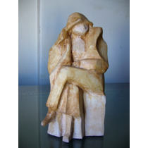 Esculturas Mujer De Tapado Grueso/ Arte Palermo
