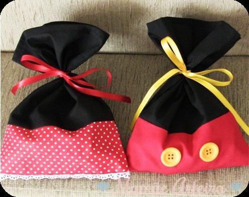 fae88ceea Bolsas Tela Souvenirs Mickey Y Minnie - $ 50 en Melinterest