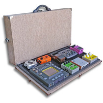 Estuche Para Pedales Rígido 65x32- Pedalboard Mustainecases®