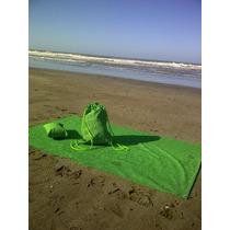 Kit Playa Gran: Lona 2x1,5mts+mochila Bras.+almohad.+estacas