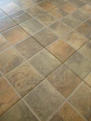 Ceramica porfido verde 1ra 35x35 nacional patio for Ver ceramicas para pisos