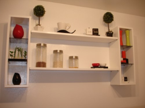 Repisa moderna en madera con cubos estantes y vidrios for Estantes para cocina restaurante