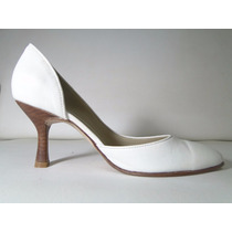 33 Designs - Art.73 - Zapato De Cuero Con Taco Foliado