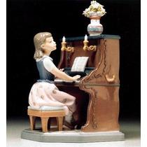 Figura Niñita Tocando El Piano - Lladro - Pieza Nª 01005462!