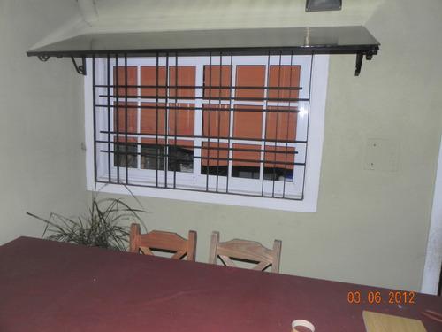 Aleros de policarbonato techos para puertas y ventanas for Ventanas para techos planos argentina