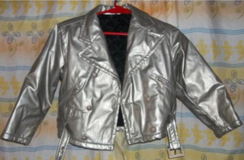 80d01f7b65c9d Versace Chaqueta Corta Plateada Importada Talle S. Cuero Ec. en ...