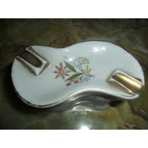 Cenicero De Porcelana Forma De Taba. Microcentro-avellaneda.