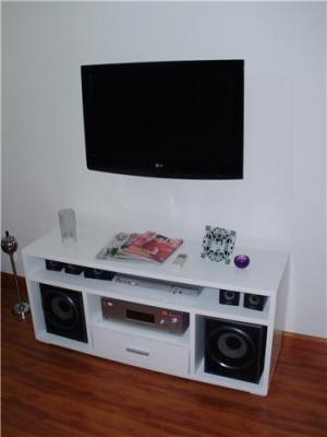 Mesa tv lcd laqueada moderna rack cajon mesas a ars 1390 for Mesas para tv modernas