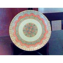 Plato Antiguo De Plástico, Made In Usa.