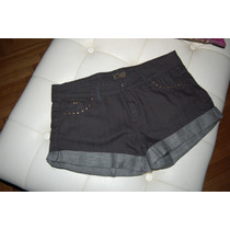 Short De Jean Color Negro Con Detalle De Tachitas