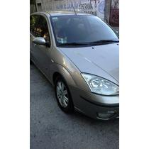 Ford Focus Ghia 2004