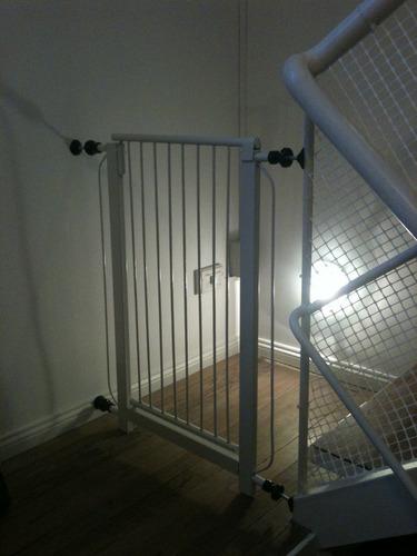 Puerta proteccion seguridad bebes ni os puertas escaleras en mercado libre - Proteccion escaleras ninos ...