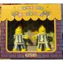 Caja Con 2 Muñecos Bananas En Pijamas