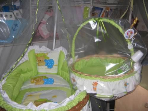 Como decorar una canasta para souvenirs imagui - Como forrar una cesta de mimbre ...