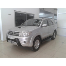 Toyota Hilux Sw4 3.0td At 4x4 7pzas- Jorge Lucci 154960 3863