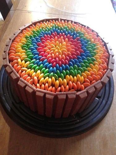 Torta decorada con golosinas kit kat en venta en haedo for Tortas decoradas faciles