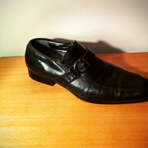 Zapatos Guess Negros De Cuero - Talle 9.5 Us (42)