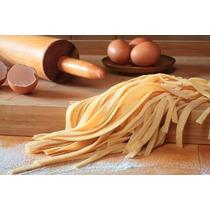 Fideos Frescos. Tallarines. Spaguettis. Caseros.