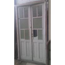Puerta Antigua Estilo Griego