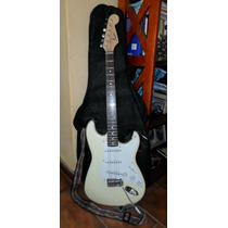 Guitarra Squier By Fender Bullet Strat