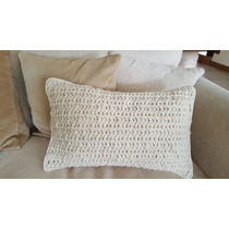 Nuevo. Almohadon Con Funda Tejida En Lana Crochet