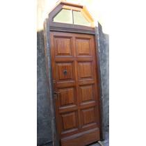 Puerta Frente De Madera Antigua