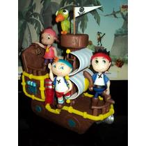 Barco De Jake Con Jake, Izzy Y Cooby En Porcelana Fria!