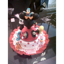 Casa De Mickey Con 6 Personajes En Porcelana Fria