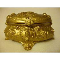 Antiguo Alhajero Peltre Escena Galante Repatinado Color Oro
