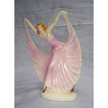 Delicada Figura Porcelana Numerada En Su Base (01201)