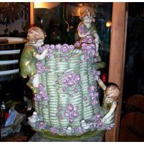 Historical*- Magnífica Faiance Jardinera Con 3 Figuras-envio