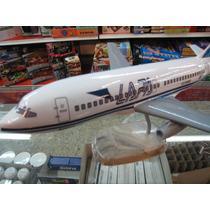 Avion Lapa Boing 737 En Resina Maqueta Estatica