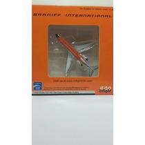 Avión Braniff International 1:500 Milouhobbies Al012