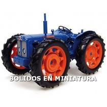 Tractor Fordson E27n Roadless - Universal Hobbies 1/16