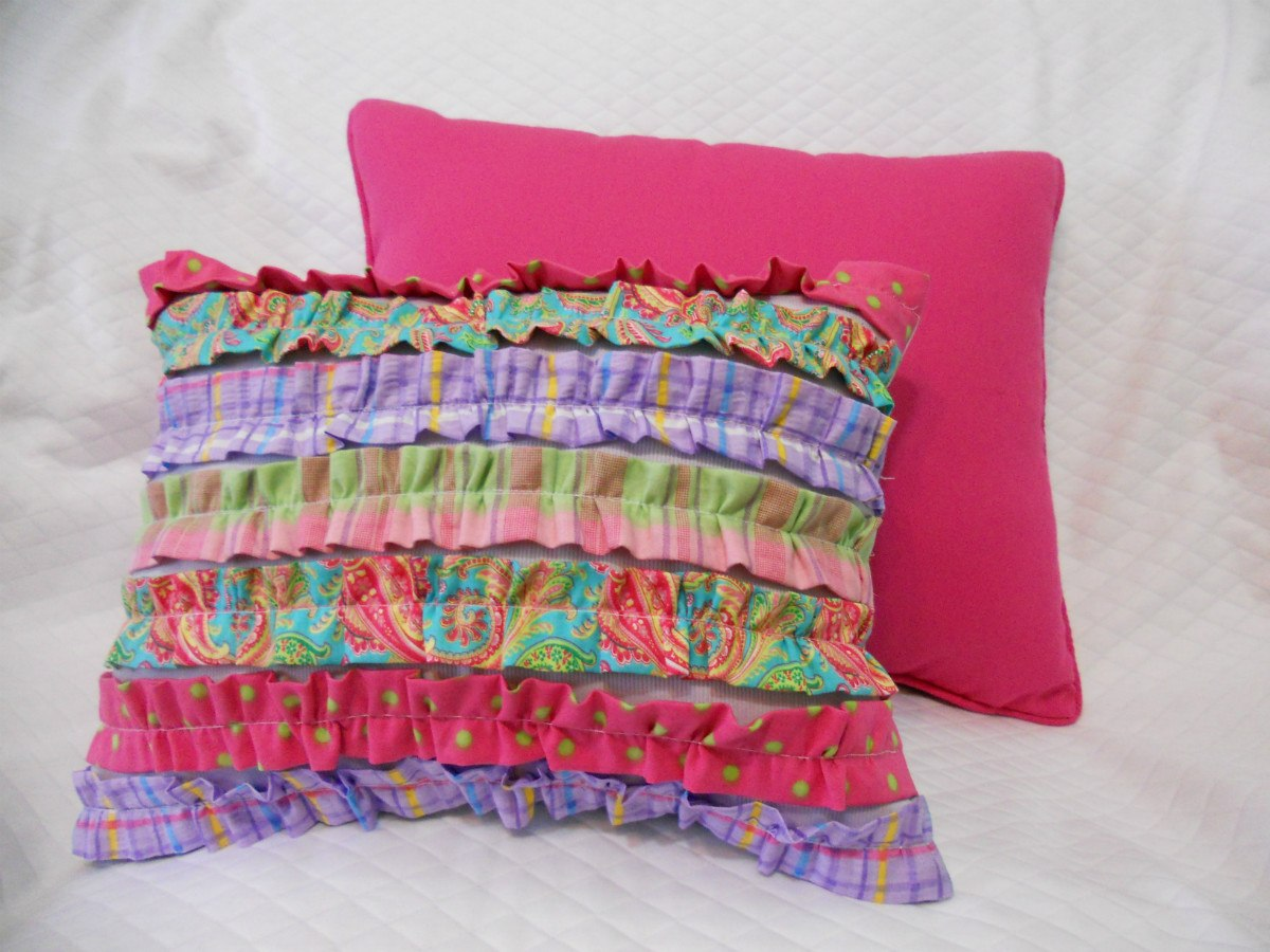 1000 images about cojines on pinterest pillows floor - Cojines pintados en tela ...