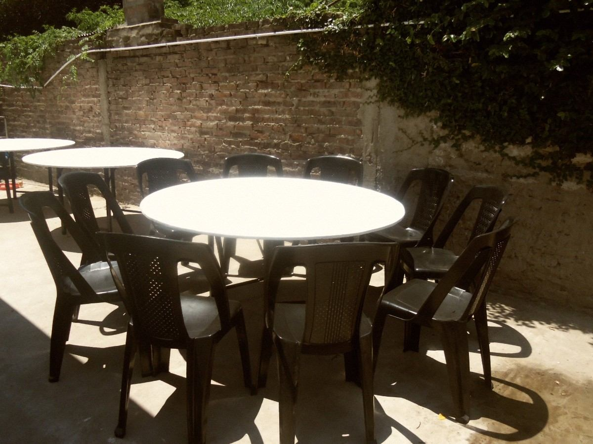 Pin alquiler manteles y fundas para sillas cubre figuras for Alquiler mesas sillas
