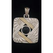Dije De Plata Y Oro Con Ónix Negro