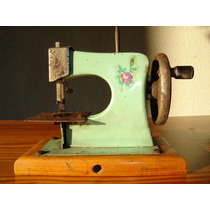 Maquina De Coser De Juguete Antigua