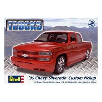 Chevy 99 Silverado Custom Pickup 1/25 Revell
